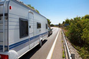 caravan in the road xs 310x205 - Mit dem Caravan auf Tour