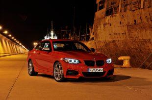 P90138094 310x205 - Das neue BMW 2er Coupé – trainierter Kraftzwerg