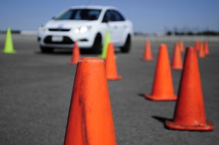 photodune 5216196 car and traffic cones xs 310x205 - Fahrsicherheitstrainings – Schulung für alle