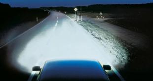 Scheinwerfer 310x165 - So wird das Auto fit für die nasskalte Jahreszeit