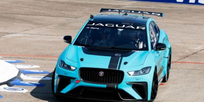Jaguar I-PACE eTROPHY beim Formel E-Prix in Berlin