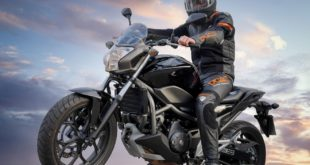 Motorradfahrer 310x165 - Motorradausrüstung – was genau ist Pflicht ?